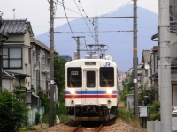 train-kabe105-akinagatsuka2-s.JPG