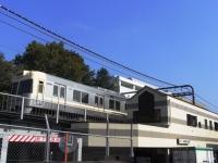 eki-todaikomabamae1-s.JPG