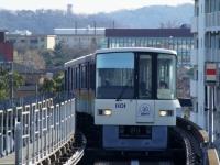 train-1011-kanazawahakkei2-s.JPG