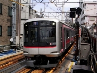 train-5855-daikanyama-s.JPG