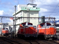 trains-DD51-895-842-897-takasaki-s.JPG